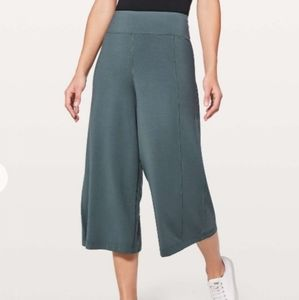 Lululemon Blissed Out Culottes Gaucho Pants 10